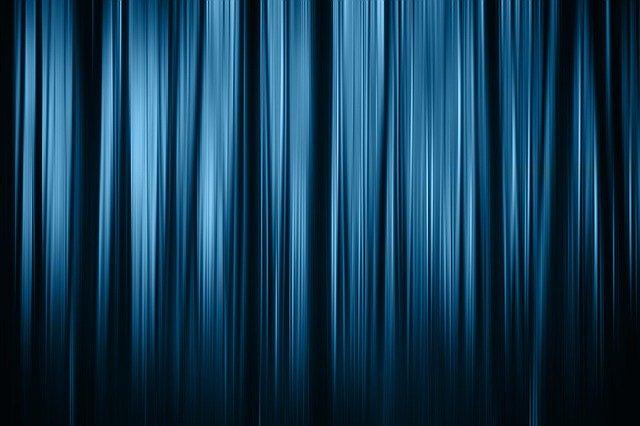 modrá opona