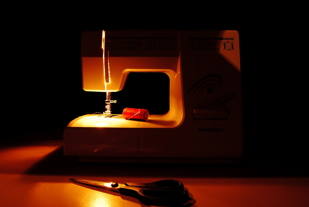 sewing-machine-1978026_1280